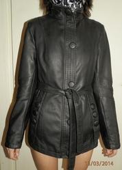 Пиджак черный с поясом, на замке